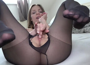 Pantyhose rubbing